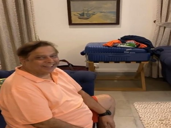 'Absolute joy': Varun Dhawan shares adorable glimpse of father enjoying IPL