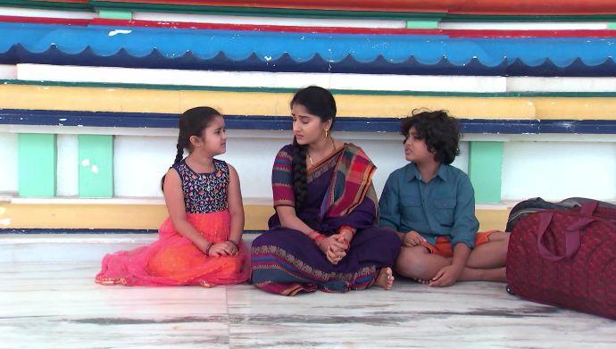 Abhi, Divya and Janaki in Kalyana Vaibhogam