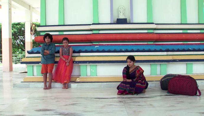 Abhi, Divya and Janaki in Kalyana Vaibhogam (Source: ZEE5)