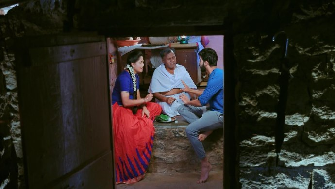 Paaru Relives Her Childhood With Thaatha Again