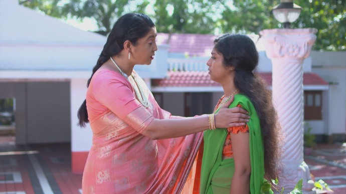 Akhila appreciates Kalyani's efforts (Source:ZEE5)