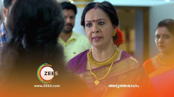 Akhila questions Kalyani (source:ZEE5)
