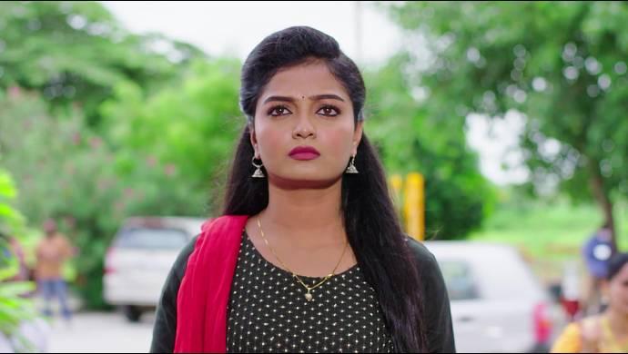 Prema Entha Madhuram 16 September 2020 Spoiler: What will Subbu do on spotting Vardhan?