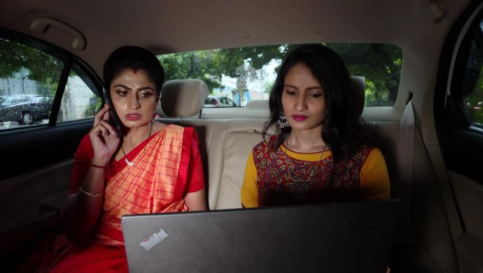 Attarintlo Akka Chellellu 26 September 2020 Spoiler: Guess who has returned to help Dharani!