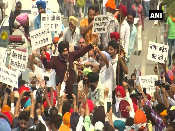 Navjot Singh Sindhu joins farmer protest  in Amritsar