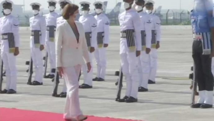 France Defence Minister Gets Guard Of Honour At Rafale Induction