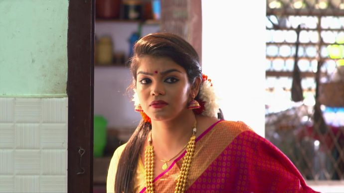 Chembarathi 10 September 2020 Written Update: How will Kalyani escape Ganga's cruel plan to kill her?