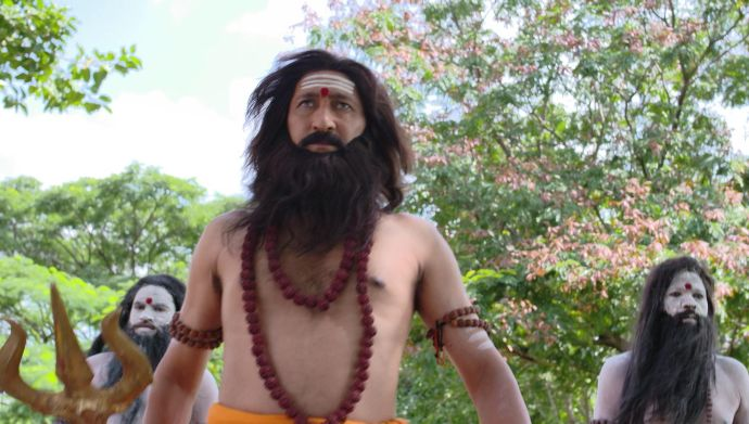 Kalyana Vaibhogam 19 September 2020 Spoiler: Why has the high priest returned to the temple?