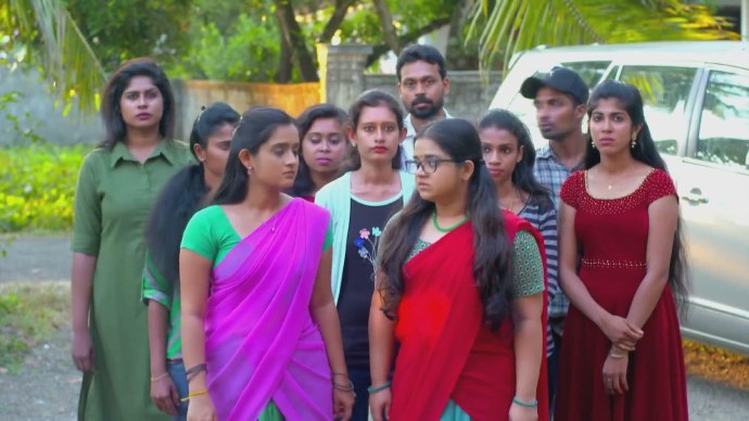 Kabani and Padmini try to protest Rishi's release (Source:ZEE5)