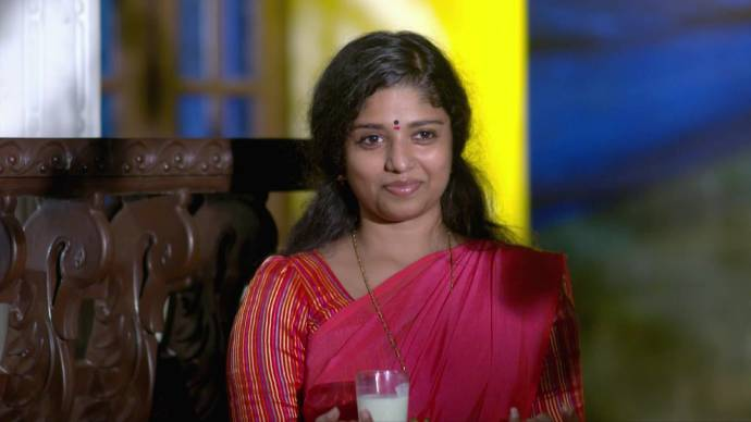 Kalyani gets elated to see Anand (source:ZEE5)