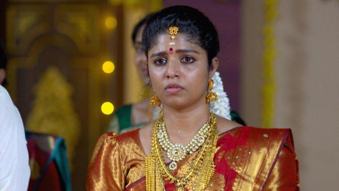 Kalyani is shocked (source:ZEE5)