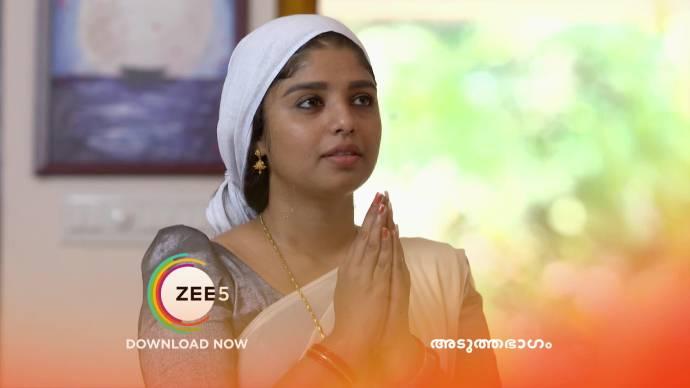 Kalyani prays for her future in Thrichambarath (source:ZEE5)