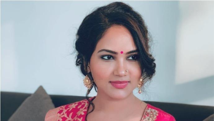 Kamna Pathak: Biography
