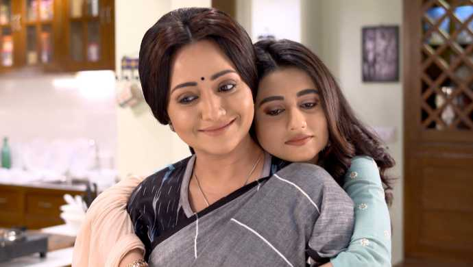 Daughters Day Special: Moments which remind us why Radhika's bond with her Moni is precious in Ki Kore Bolbo Tomay