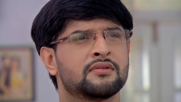 Krishnakoli 19 September 2020 Spoiler: What does Nikhil do when Shyama faints?