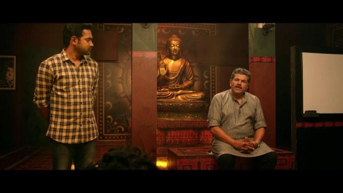 Manoj recognizes Aashiq's talent (source:ZEE5)