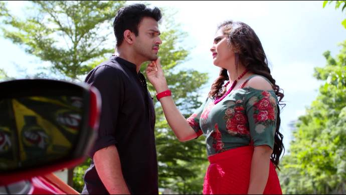 Maya and Aditya on Akka Chellellu (Source: ZEE5)