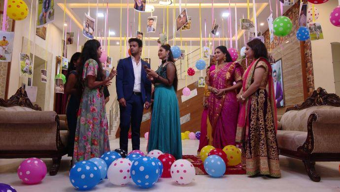 Maya and Aditya with othersin Akka Chellellu