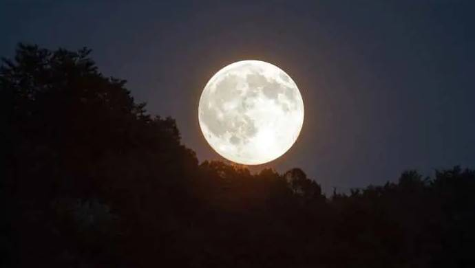 Moon Could Be Rusting Along Poles, Suggest Chandrayaan-1 Images