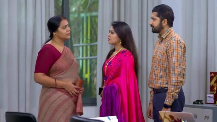 Parvathy's visit disturbs Abhimanyu and Samyuktha (source:ZEE5)