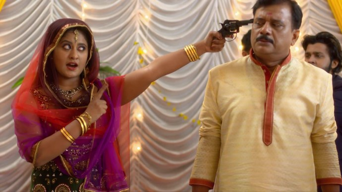 Chembarathi 05 September 2020 Written Update: How will Anand save Krishnan from Priyanka?