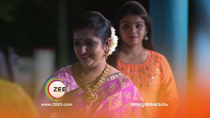 Chembarathi 17 September 2020 Spoiler: Ganga and Vilasini welcome Priyanka!