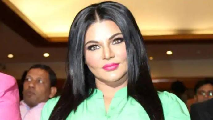 Rakhi Sawant Warns Kangana Ranaut In New Video