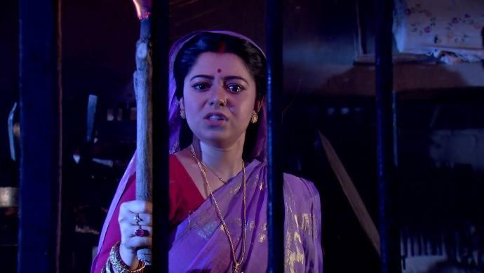 Rani Rashmoni 17 September 2020 Written Update: Where has Padma hidden Kamala?