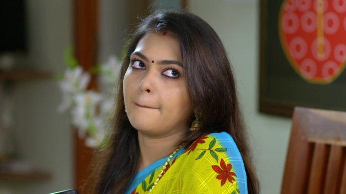 Poolalam Varavayi 04 September 2020 Spoiler: How will Avantika reveal Sharmilla's secret?
