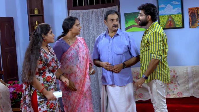 Sharath complains about Samvrutha (source:ZEE5)