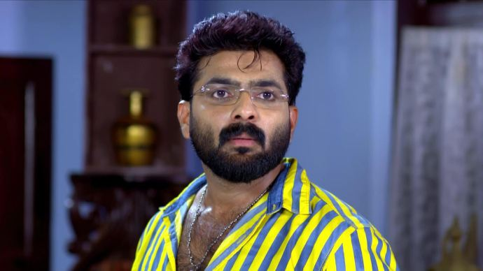 Pookalam Varavayi 03 September 2020 Written Update: Why is Sharath visiting Puthanveedu?