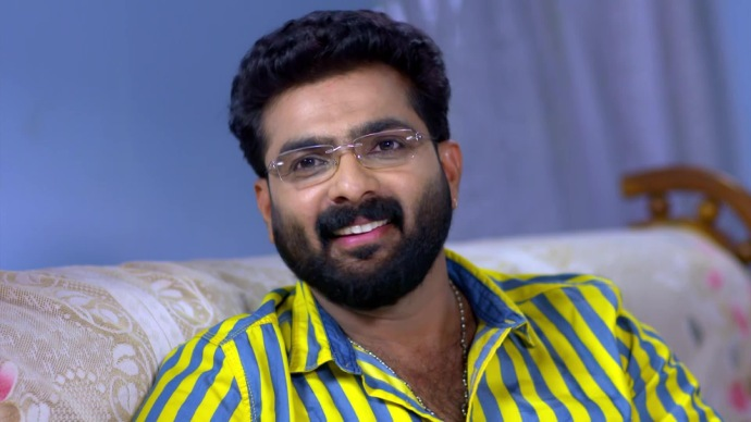 Sharath meets Yatheenthran and Parvathy (source:ZEE5)