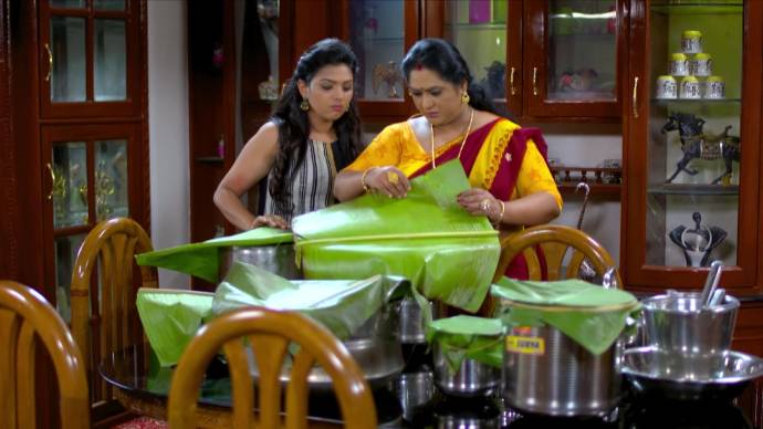 Pookalam Varavayi 29 September 2020 Spoiler: Avantika ruins Harshan's catering order!