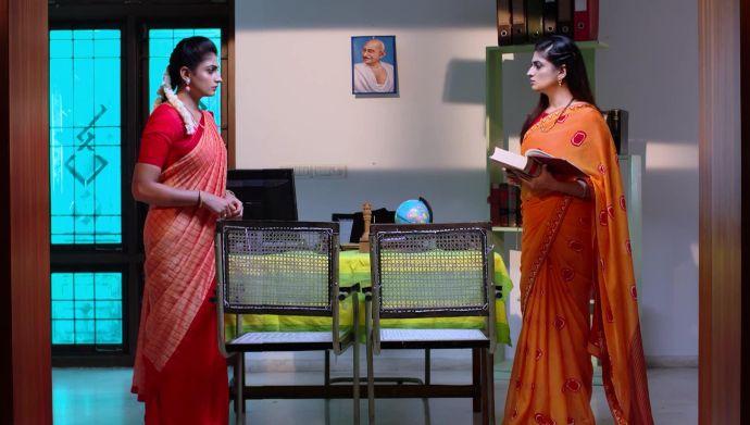 Attarintlo Akka Chellellu 26 September 2020 Written Update: Will Dharani confront Shravani?