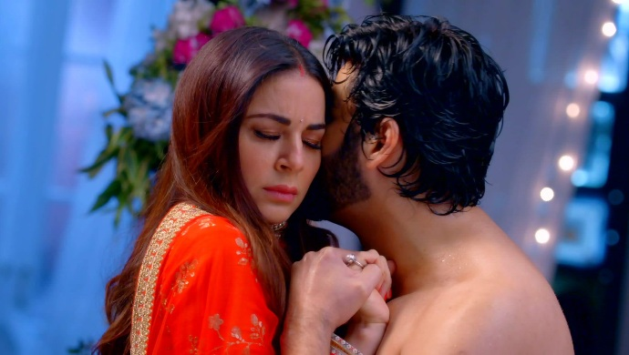 Kundali Bhagya Written Update 16 September 2020: Karan Tries To Kiss Preeta