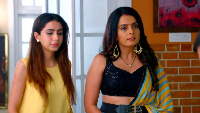 Still from Kundali Bhagya with Sherlyn and Mahira