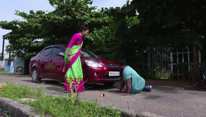 Swaroopa and the thief in Kalyana Vaibhogam