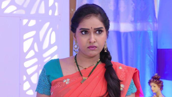 Raktha Sambandham Quiz: How will you save yourself from Venkat Lakshmi's tricks?