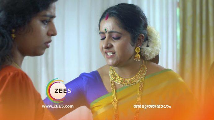 Chembarathi 14 September 2020 Spoiler: Will Kalyani listen to Vilasini's orders?