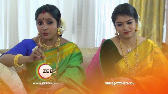 Vilasini orders Kalyani to wear the uniform saree (source:ZEE5)