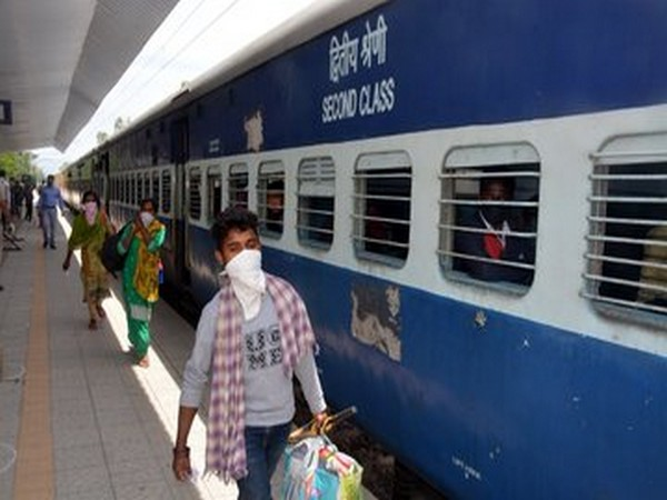 Western Railway to run 6 additional suburban level trains, 2 ladies special to avoid overcrowding