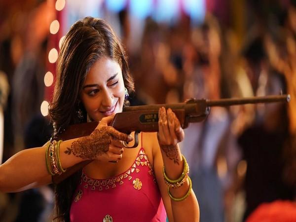 Ananya Panday shares glimpse from Ishaan Khatter co-starrer 'Khaali Peeli'
