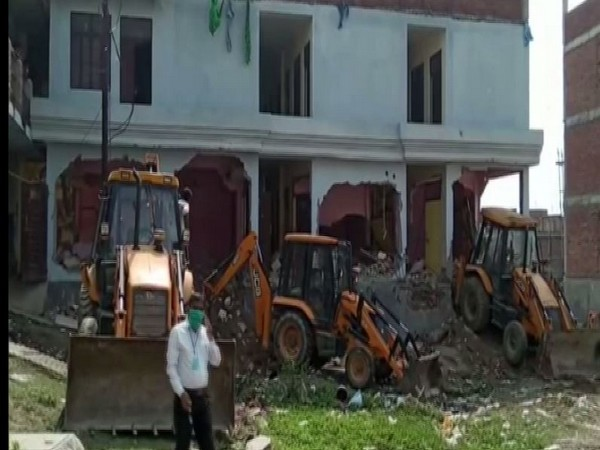 Illegal building of Ex-MP Atiq Ahmed's close aide demolished in UP