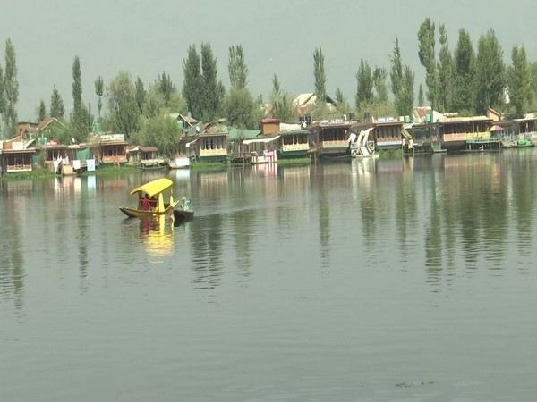 Trade and tourism industries welcome Rs 1,350-crore J-K relief package announced by LG