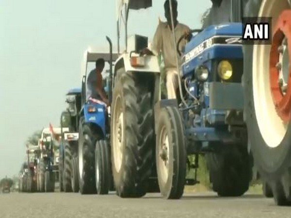 Ludhiana farmers, Congress workers carry out 'tractor protest'