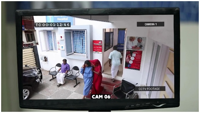 Yaaradi Nee Mohini: A Mysterious Woman Helps Vennila Escape From The Hospital