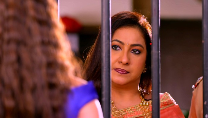 Guddan Tumse Na Ho Payega Spoiler 25 September 2020: Pushpa Birla Gets Durga Arrested