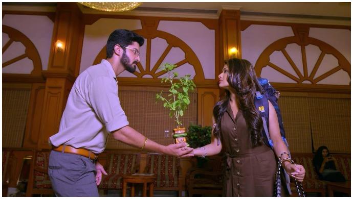 Suryavamsam: Samantha And Surya Meet Face To Face