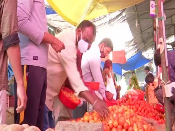 Vegetable prices rise in Hyderabad as supplies hit by rainfall, customers buy smaller quantities