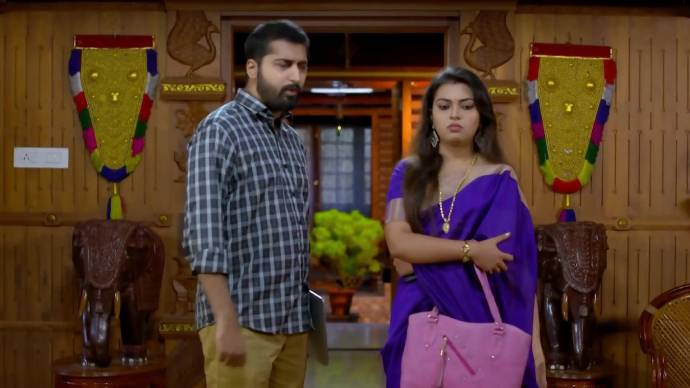 Abhimanyu argues with Samyuktha (Source:ZEE5)